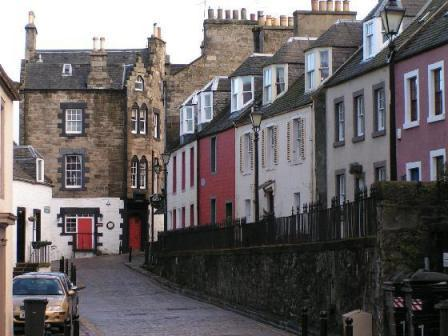 South Queensferry's quaint High Street